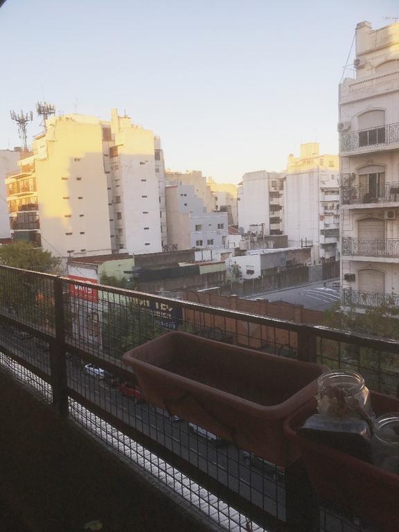 4 Ambientes con dependencia de servicio - al frente con balcón corrido y 2 bauleras