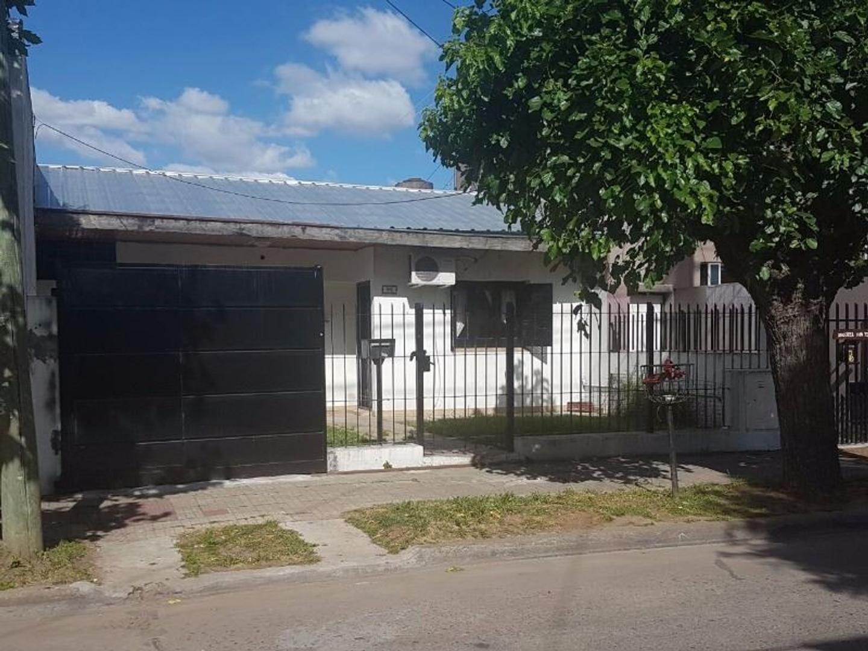 Casa en Ramos Mejía, La Matanza, Buenos Aires USD 160000 - Urquiza 1176 (Código: 486-288)