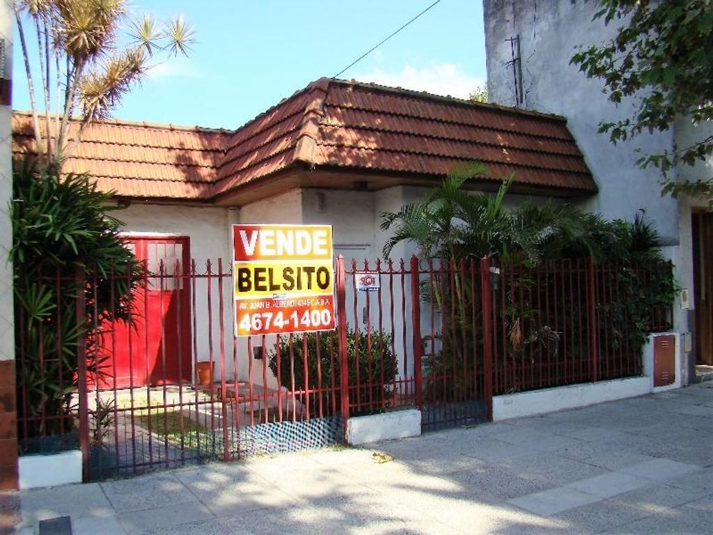 APTA CREDITO - Buena casa 3 amb - Garage pasante - Galpón al fondo de 8.66x6.00 - Zonificación E2