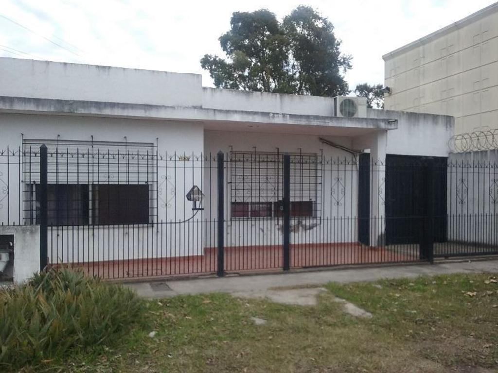 Casa para 2 FAMILIAS a metros de Av. Calchaqui.
