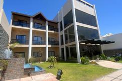 Excelente Hotel Bella Costa, La Lucila del mar, Partido de la costa