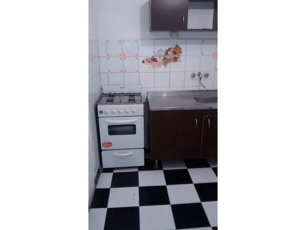 DUEÑO vende departamento en Parque Patricios 2 1/2 ambientes. 42 metros