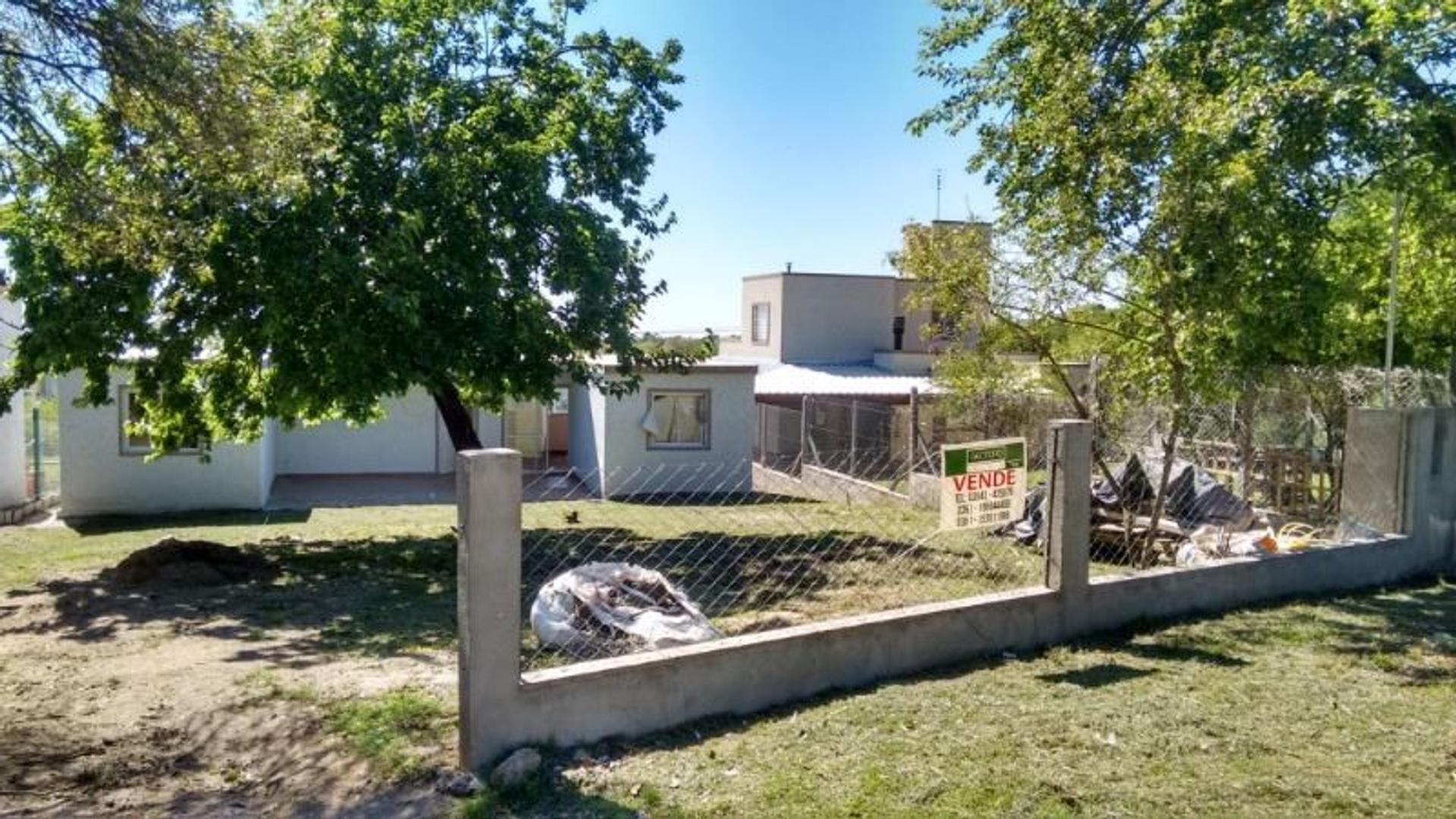 Casa en Venta en Agua De Oro - 4 ambientes