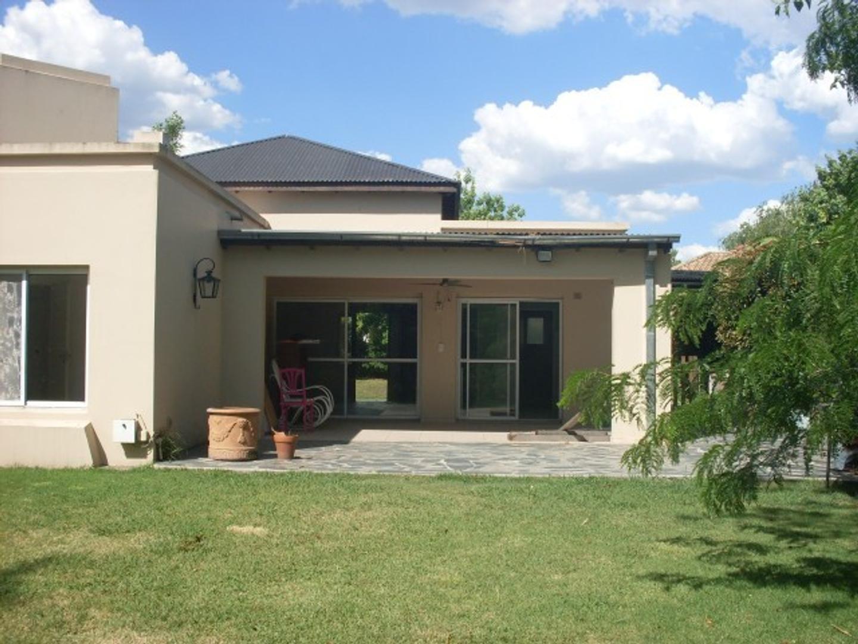 Oportunidad casa en venta en Los Potrillos!