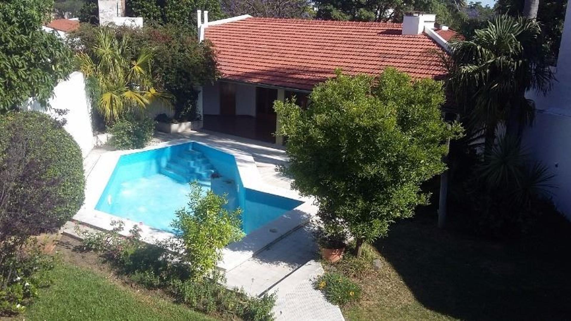 Villa Belgrano. Excelente propiedad a mts. de la Academia Arguello