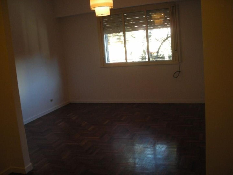 Departamento - 54 m²   1 dormitorio   50 años
