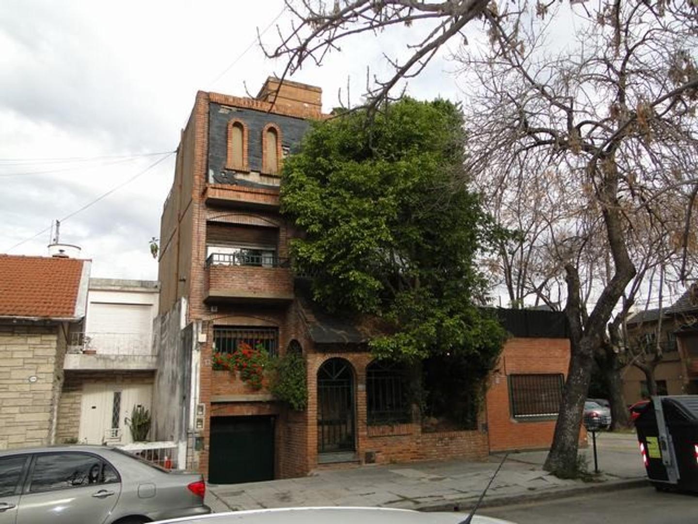 XINTEL(OPL-OPL-333) Casa - Venta - Argentina, Capital Federal - CARBAJAL  AL 3900