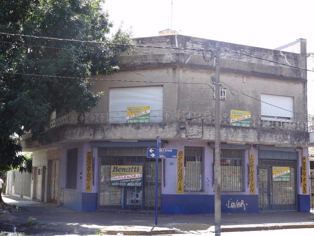 Local en esquina Del Campillo y Arieta. 120m². EXCELENTE UBICACIÓN!