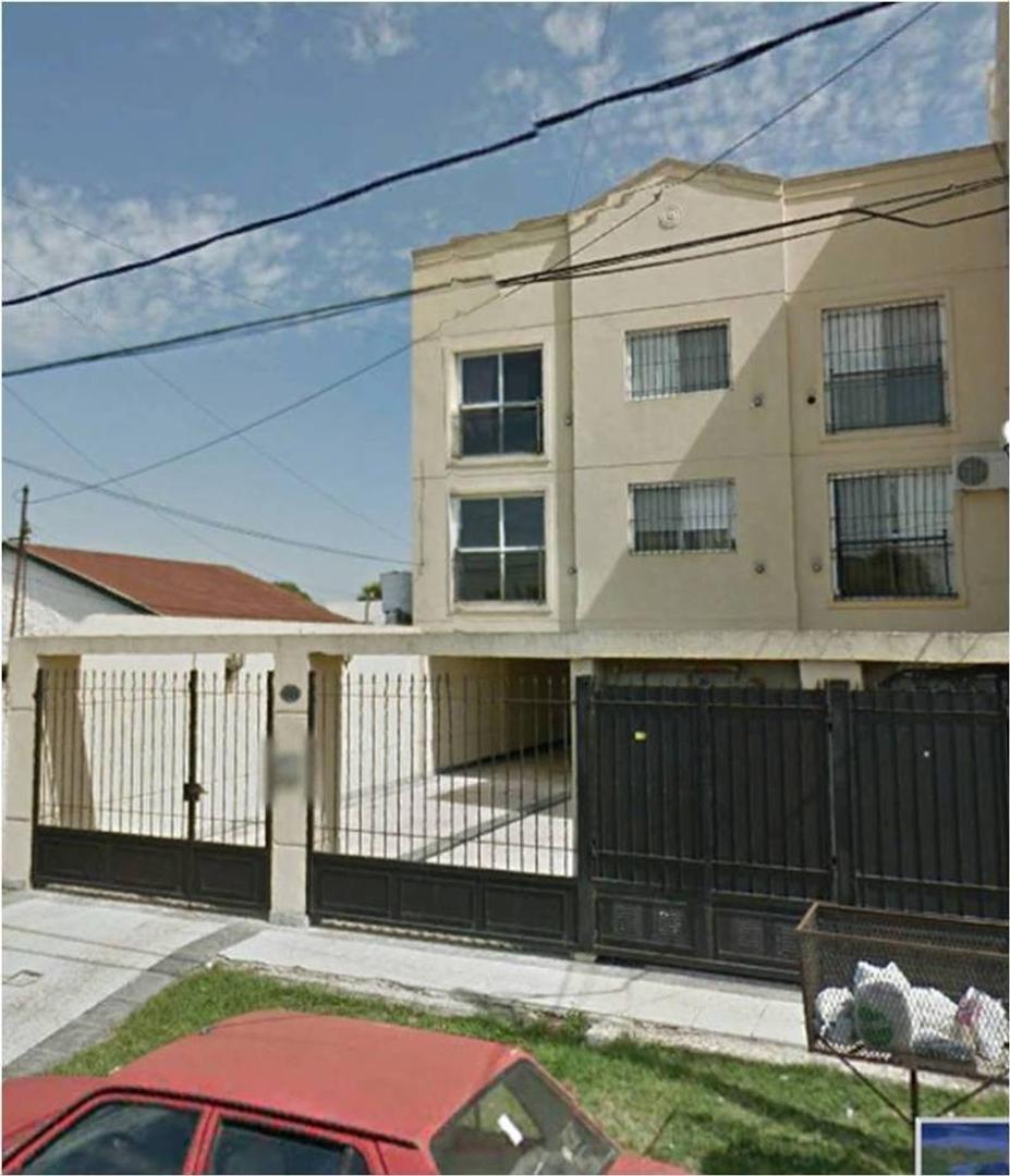 Venta de Departamento en Edificio Calle San Luis zona Pilar, Gran Bs.As., Argentina.