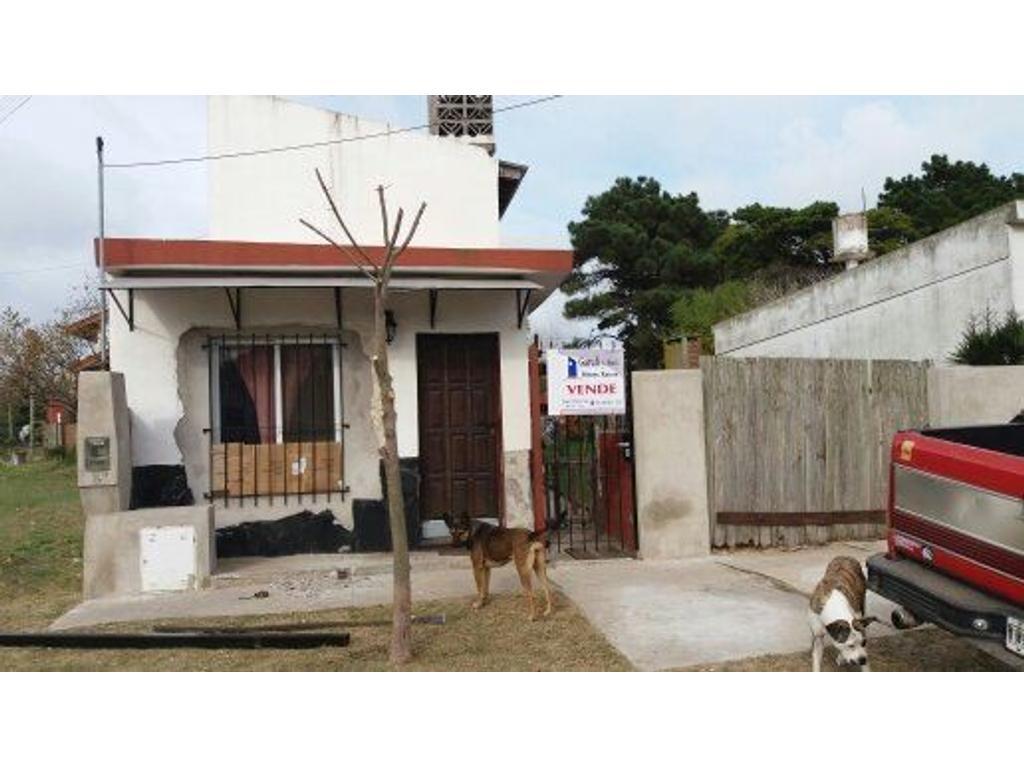 Casa en venta en 43 n 810 e 8 y 9 santa teresita for Santa teresita planta