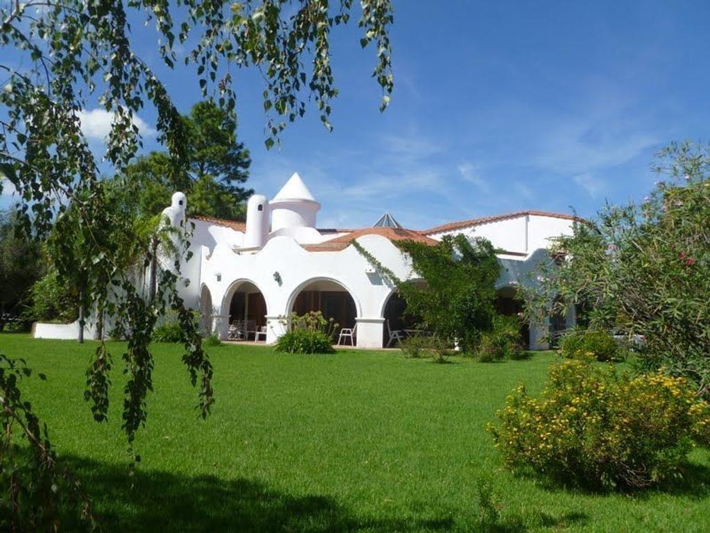 GOLFER'S COUNTRY CLUB - CASA EN VENTA