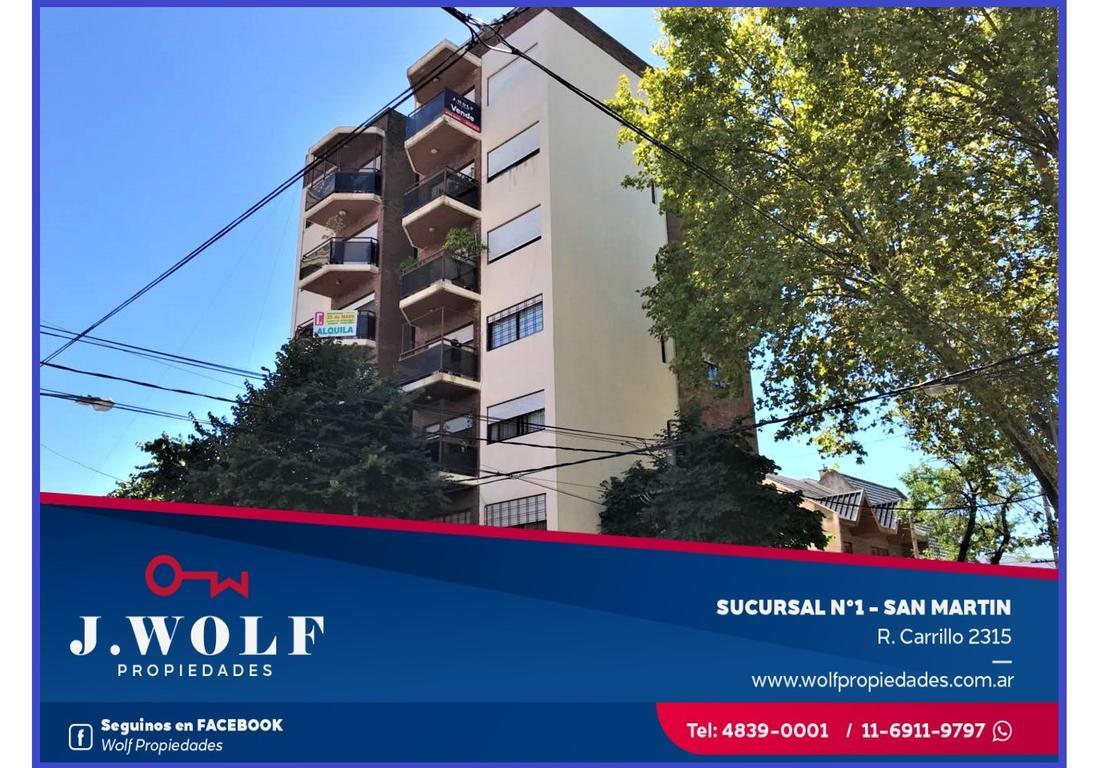 Excelnete departamento de tres ambientes en San Martín Centro