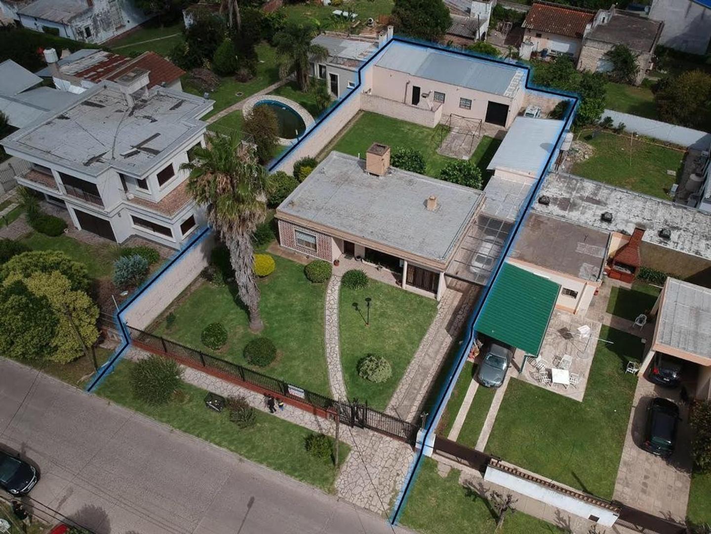Casa en Venta en Belen De Escobar - 6 ambientes