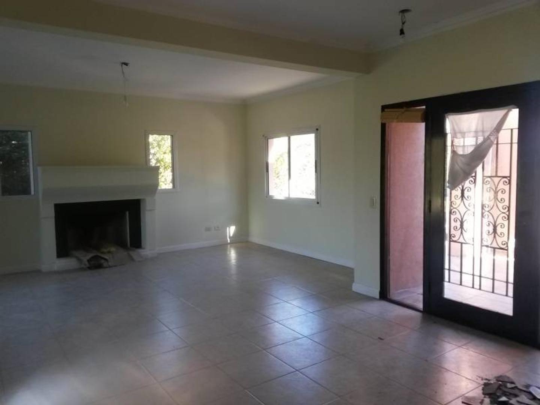 Casa - 240 m² | 3 dormitorios | 10 años