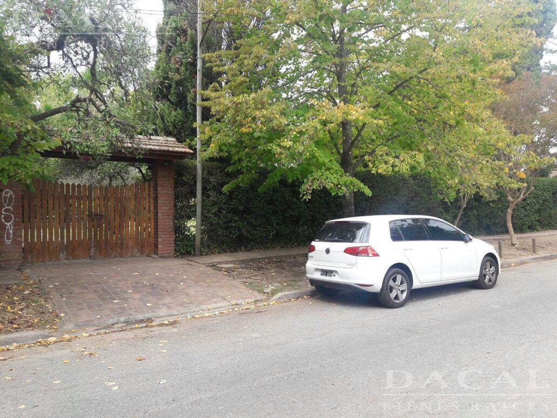 Casa en venta en City Bell calle 466 e/ Belgrano y 21 Dacal Bienes Raices