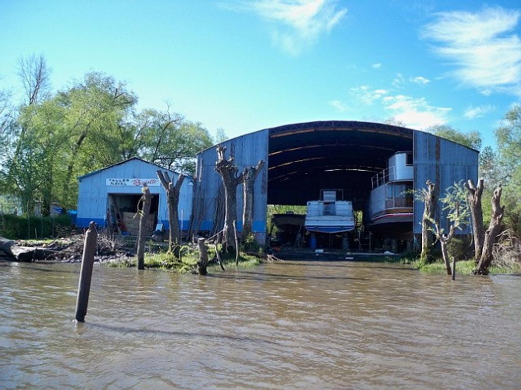 Venta de Galpón Astillero sobre Río Luján