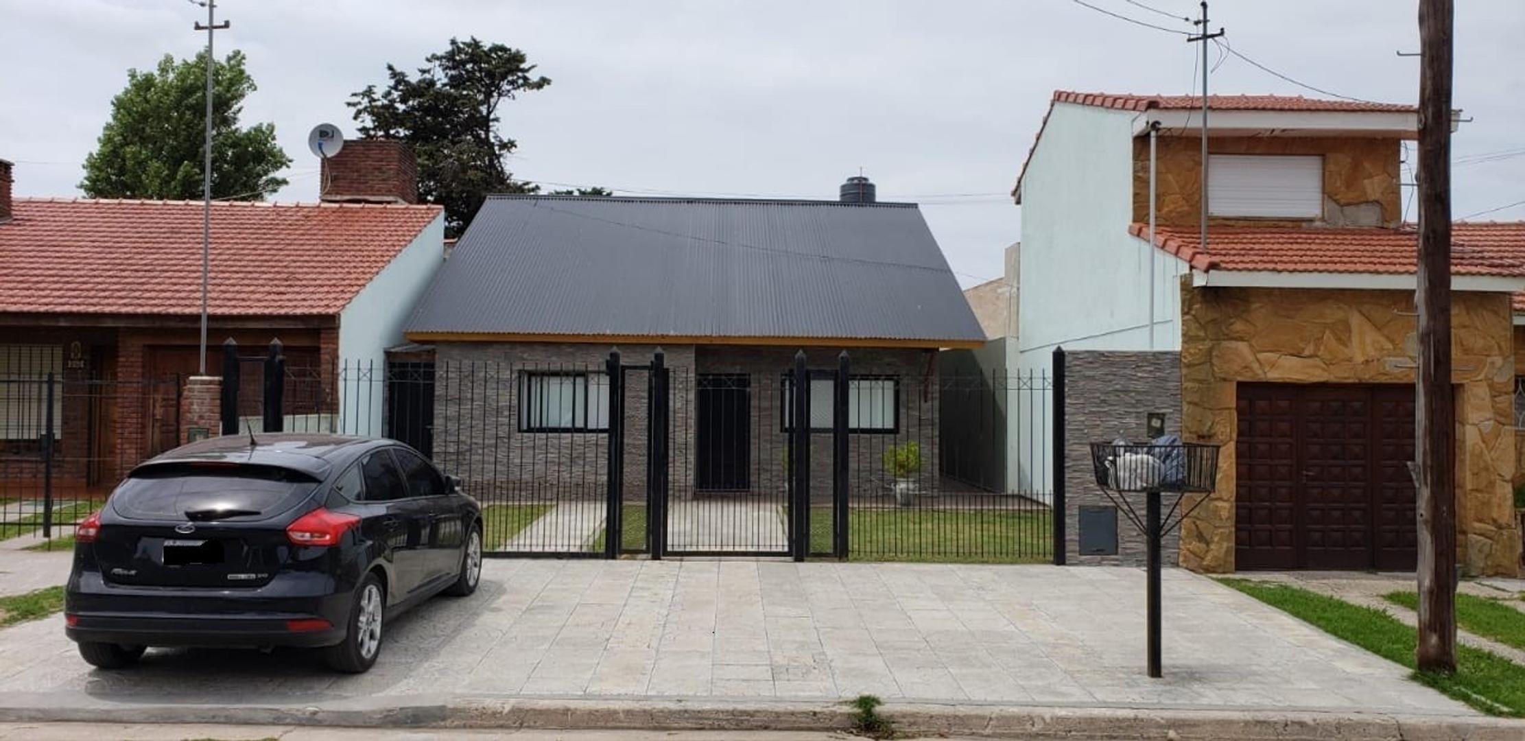 Casa en Venta en Miramar - 6 ambientes