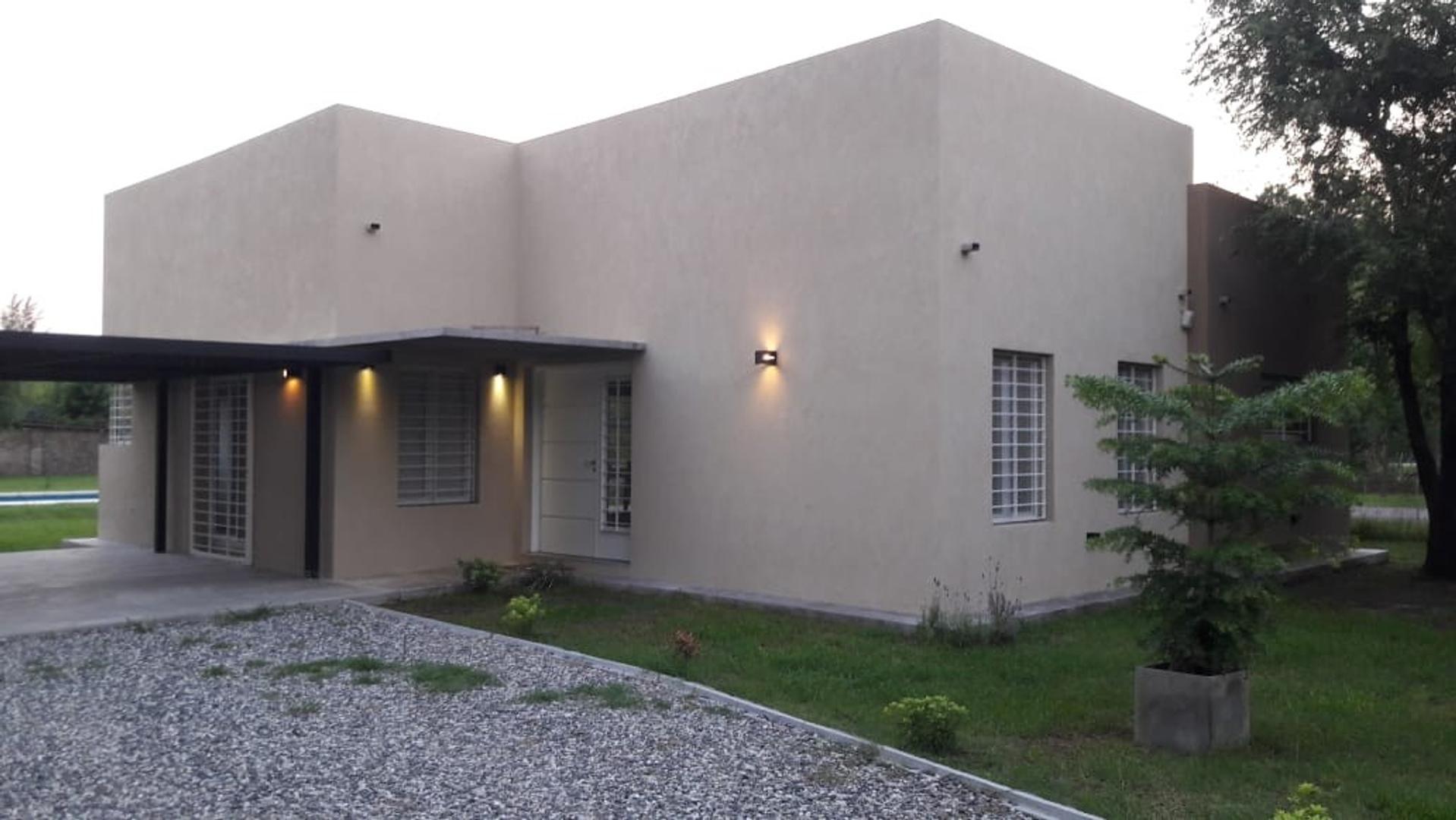 Casa en Venta en Funes - 4 ambientes