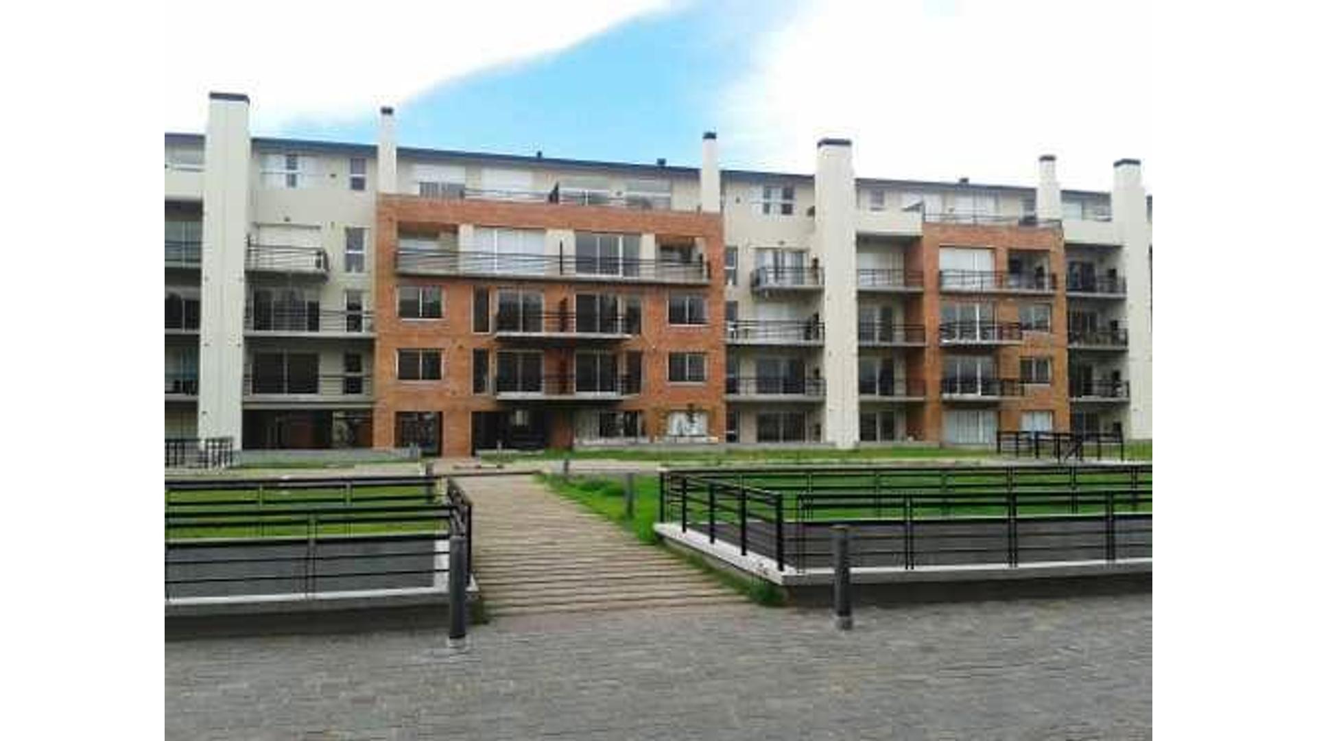 Riobamba 400 Beccar Plaza 2. Departamento 5 amb con terraza, 2 cocheras y baulera
