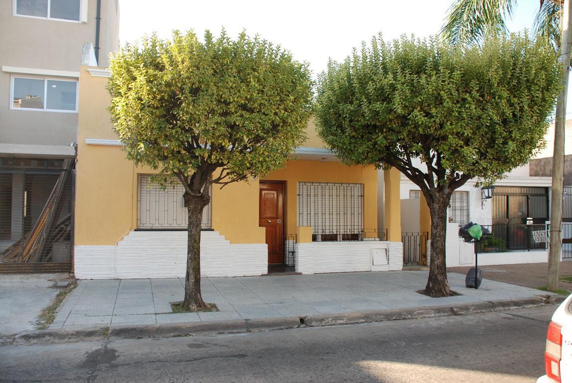 Casa 4 ambientes en Ramos Mejia Sur