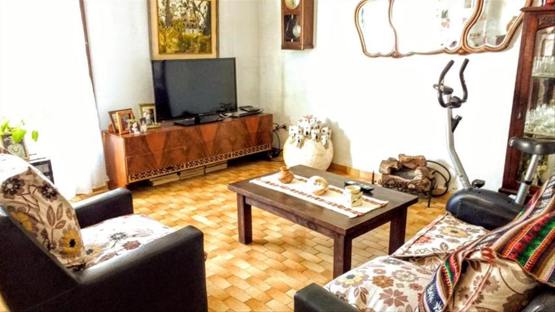 Departamento tipo casa en Venta de 5 ambientes en Buenos Aires, Pdo. de Vicente Lopez, Carapachay
