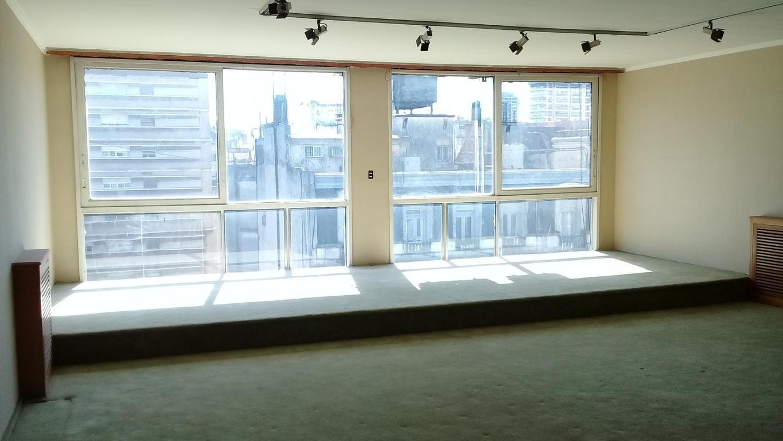 120 metros cuadrados - posee 3 bauleras propias dentro del edificio