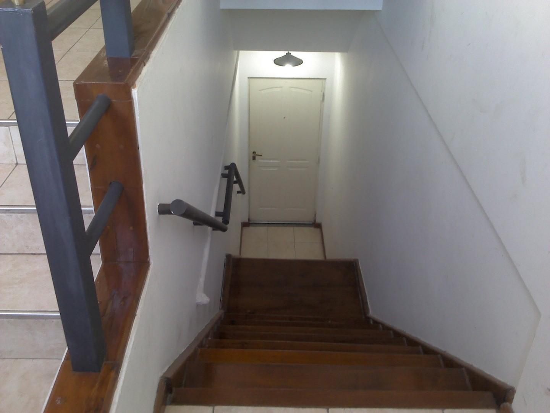 Excelente PH 1er. piso x escalera,  3 amb.,con bcon. al frente y bcon. terraza contraf.
