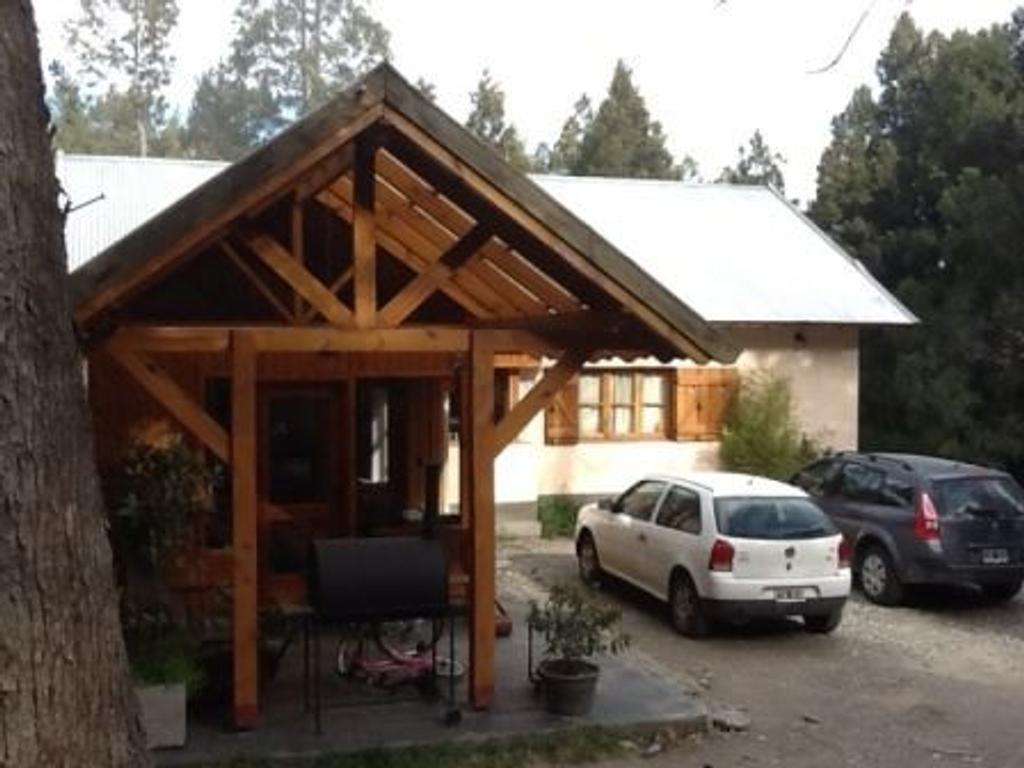 Casa B° Las Vertientes 3 dormitorios lote 8428m2 a minutos del centro de Bariloche