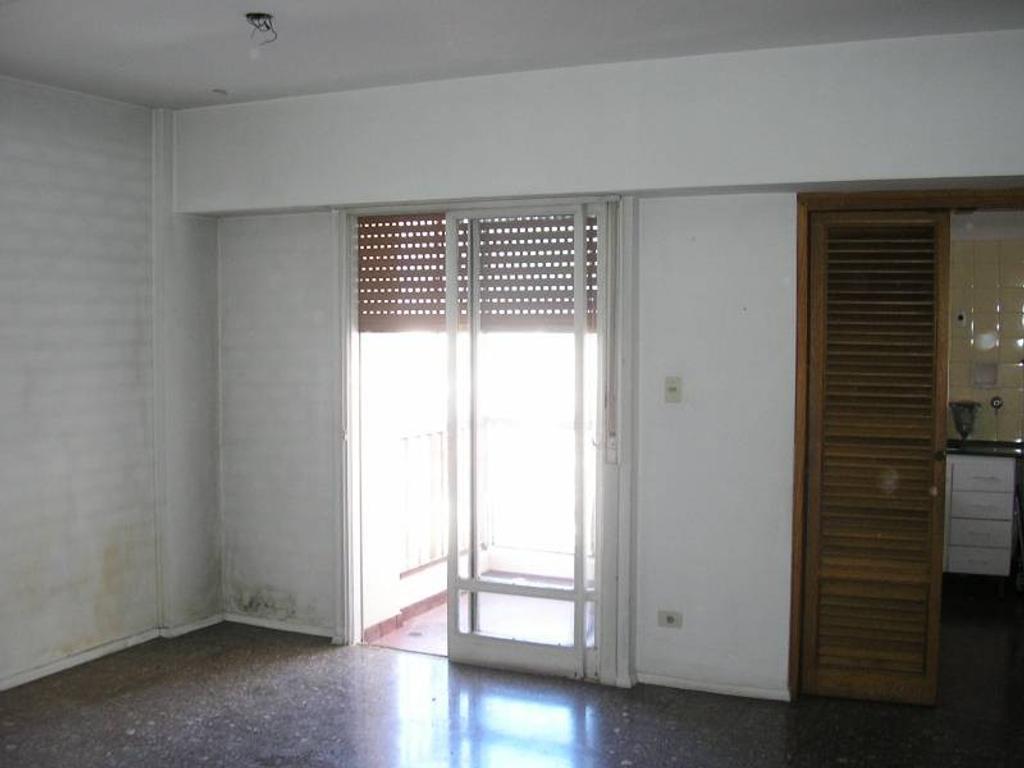 Departamento de 2 ambientes c/frente en Parque Chacabuco