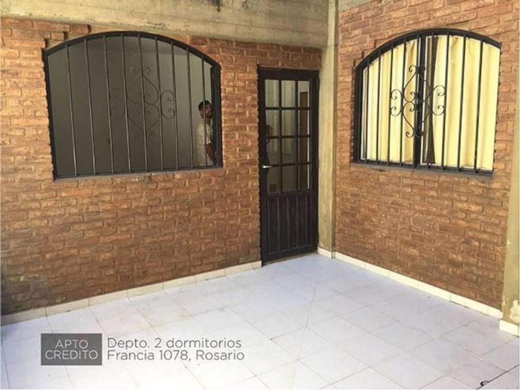 Pasillo hermoso en la mejor zona de Rosario con 2 dormitorios