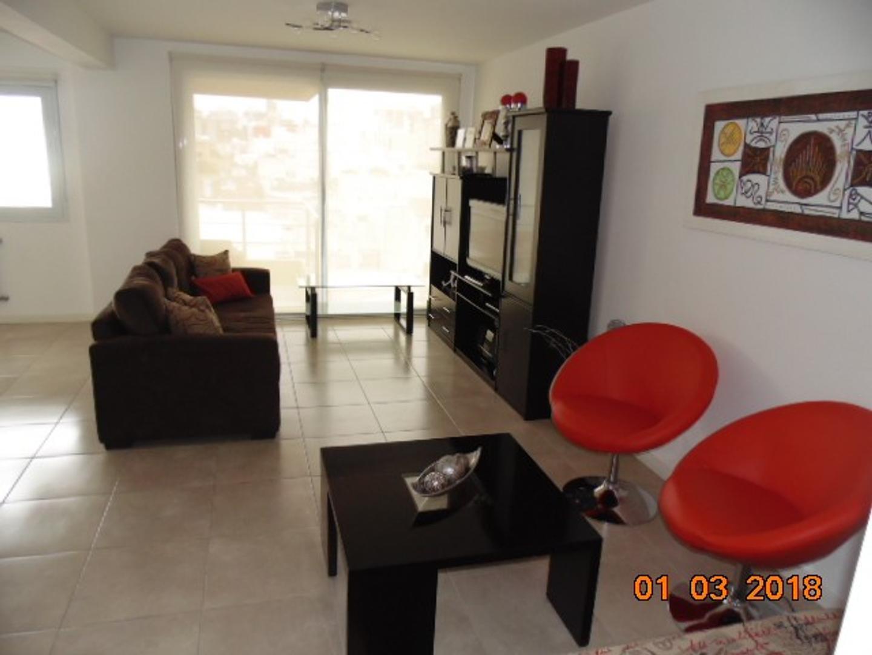 ALVARADO 2100 - PISO 4 AMB. A LA CALLE CON COCHERA