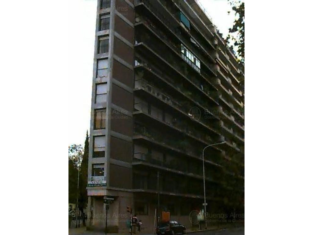 AV. PUEYRREDON AL 2400, living comedor 3 dormitorios, baño toilette dep. de servicio.balcon corrido