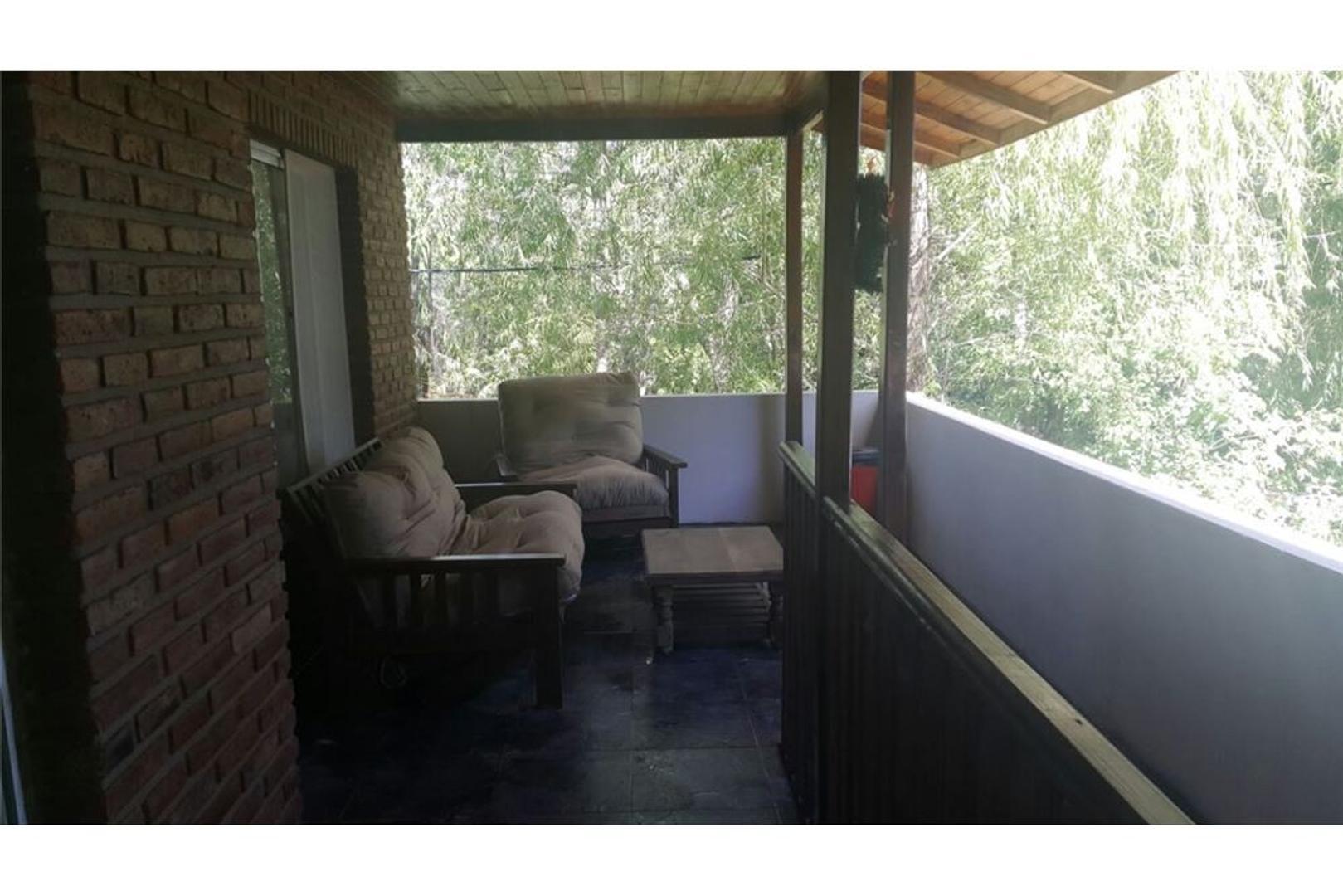 Hermosa Casa en Rio Sarmiento!