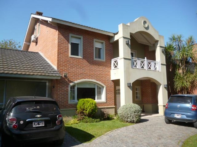 Casa en venta en City Bell Calle 464 e/ 15a y 17 Dacal Bienes Raices