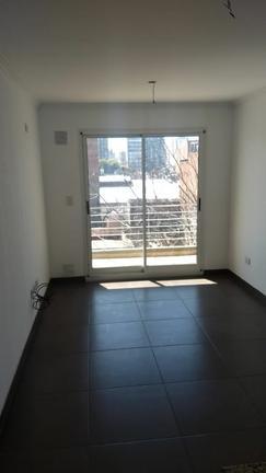 Departamento con balcon, ventilacion cruzada y terraza exclusiva