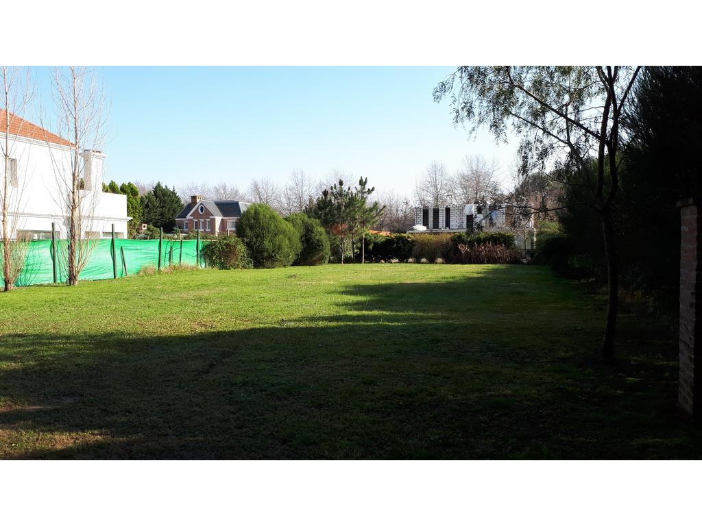 Terreno Barrio Privado Villa Rosa, Apto Credito, increible arboleda a 3000mts de Panamericana km 50