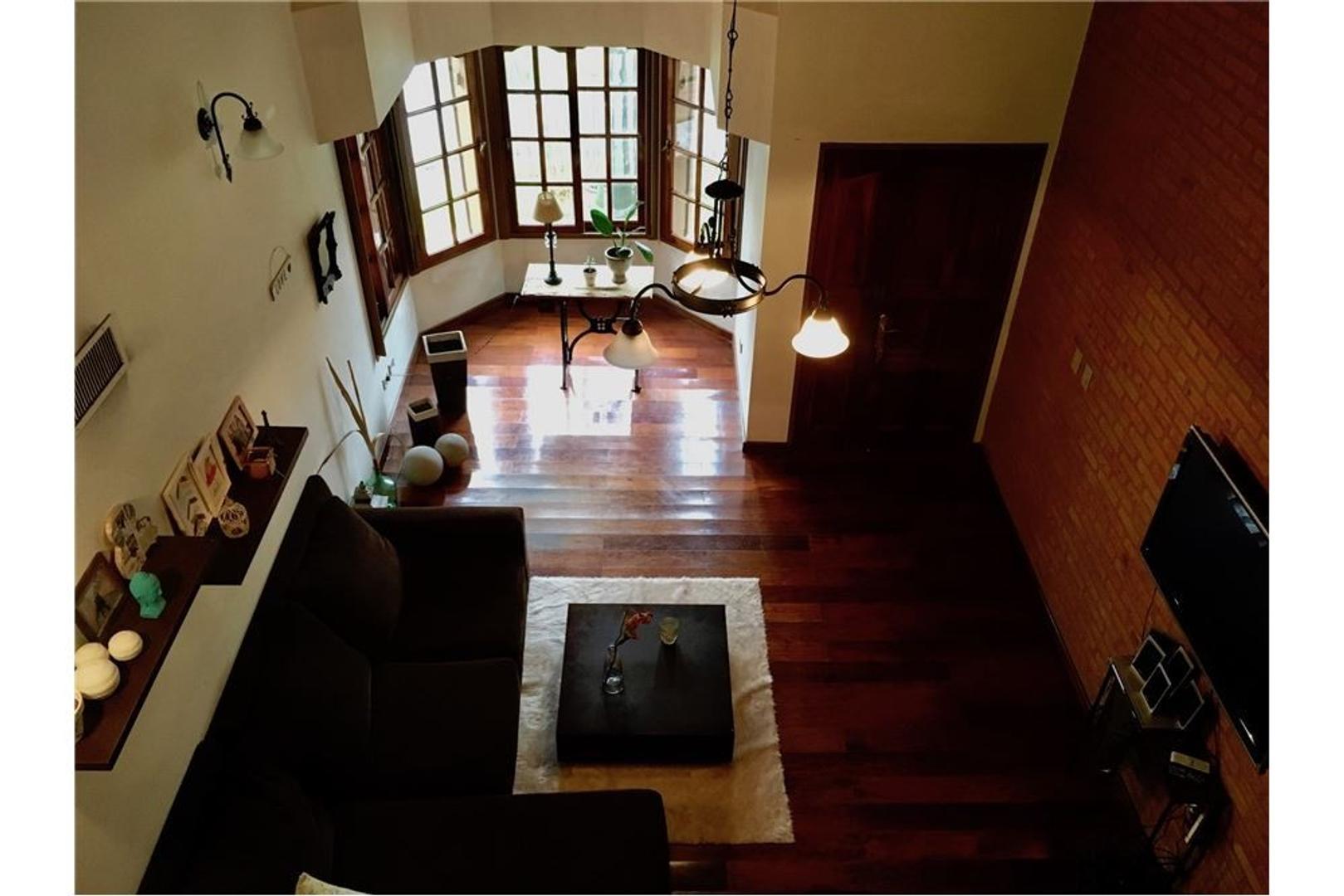 Excelente casa de 7 ambientes, Padua residencial