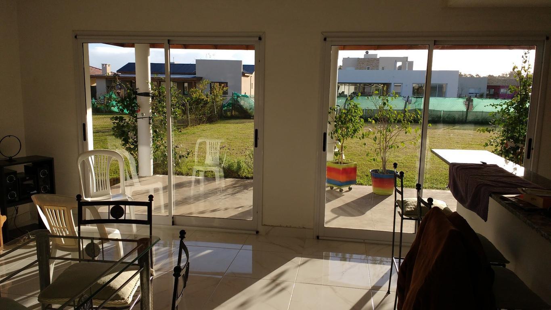 Casa en venta en canning chalet la horqueta de echeverria for Muebles echeverria
