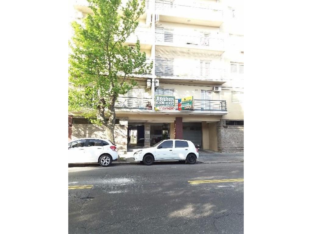 Cabildo 385, Avellaneda.