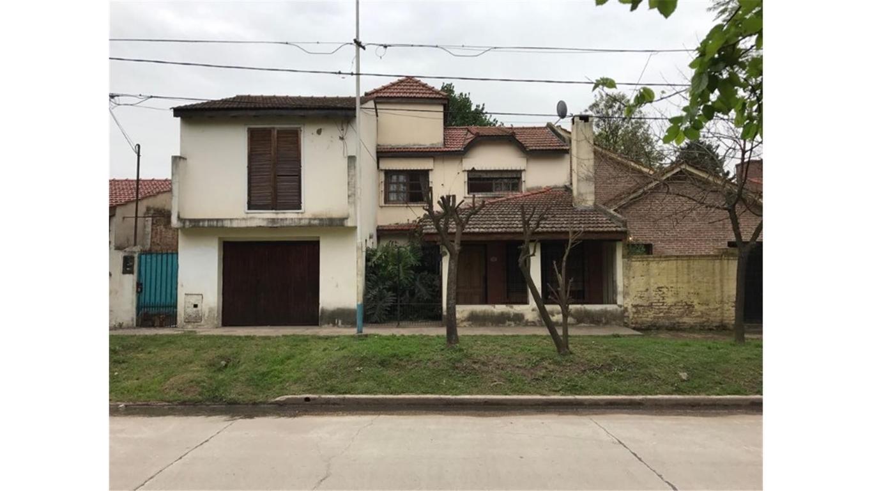 Hermoso Chalet en zona residencial de vivienda permanente
