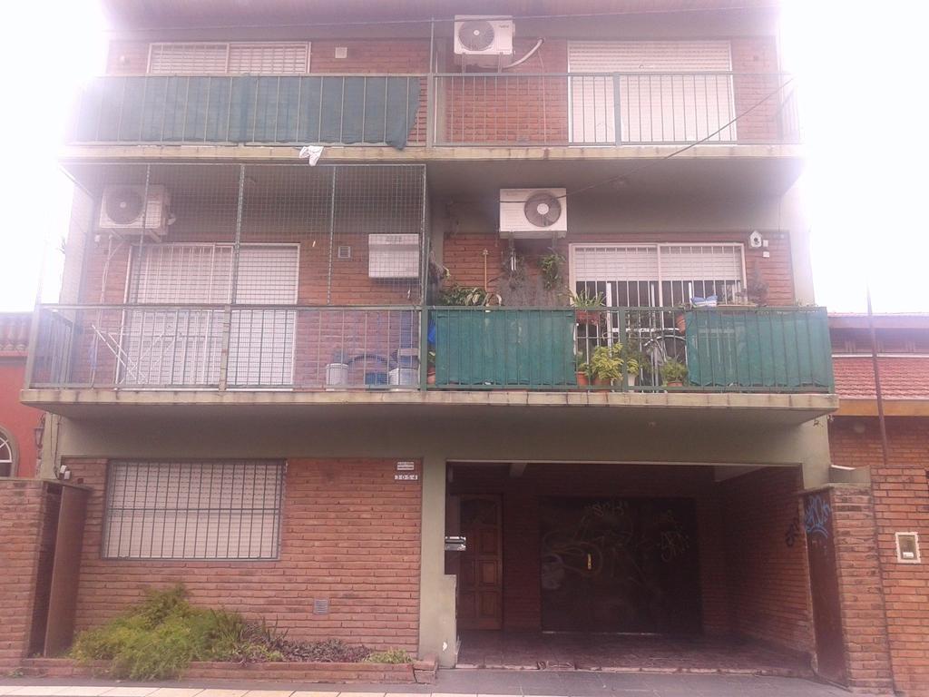 VENDE DEPTO.2 AMB.C/ COCHERA -SAN ANDRES-APTO CREDITO!!!