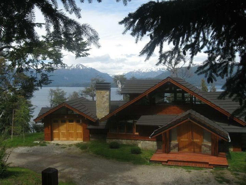 Importante Propiedad con la mejor vista Lago Nahuel Huapi