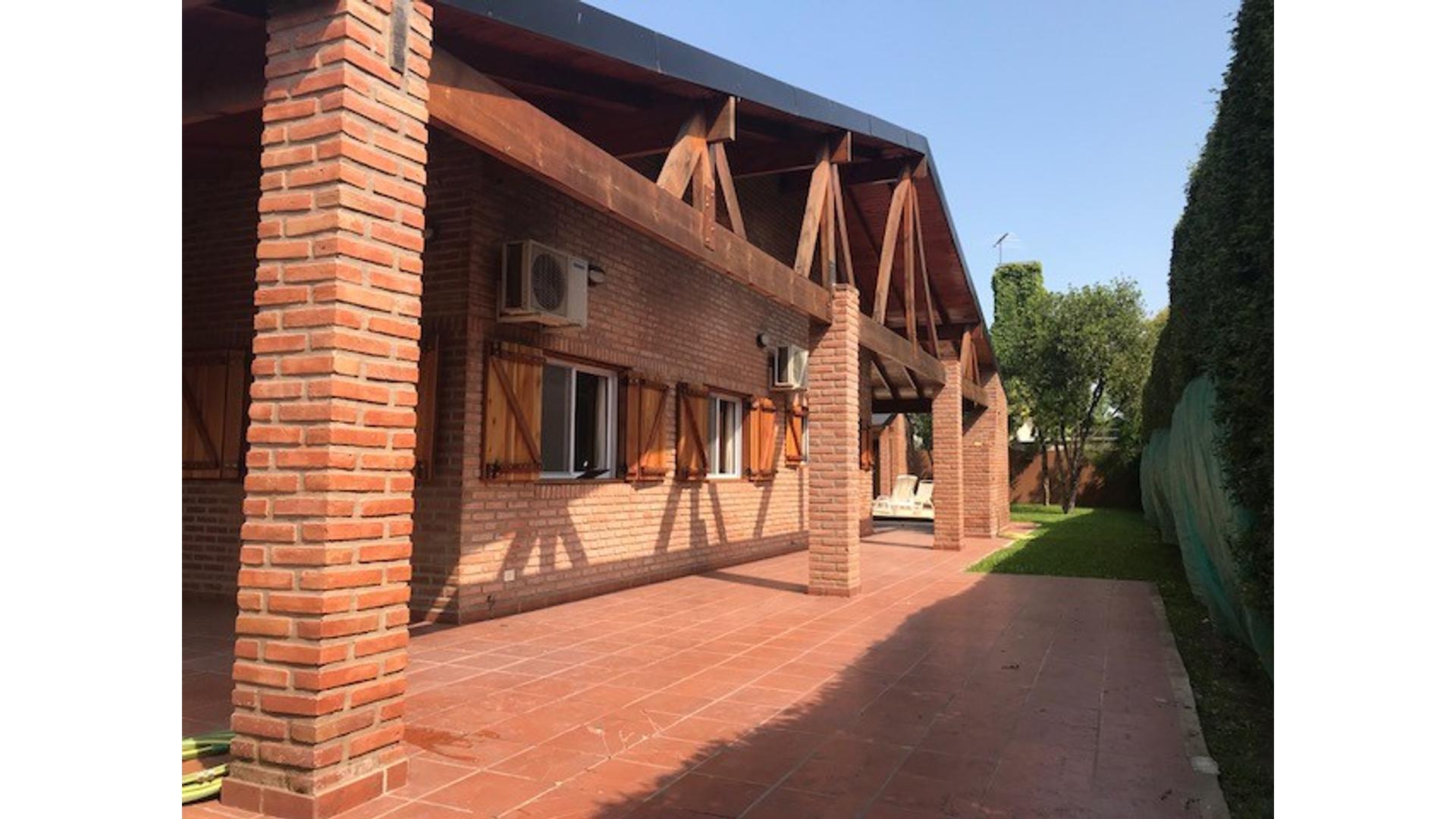 APTA A CRÉDITO!! Excelente Casa en Venta en Altos del Barranco