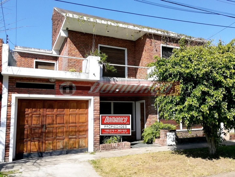Casa en Venta en Castelar - 5 ambientes