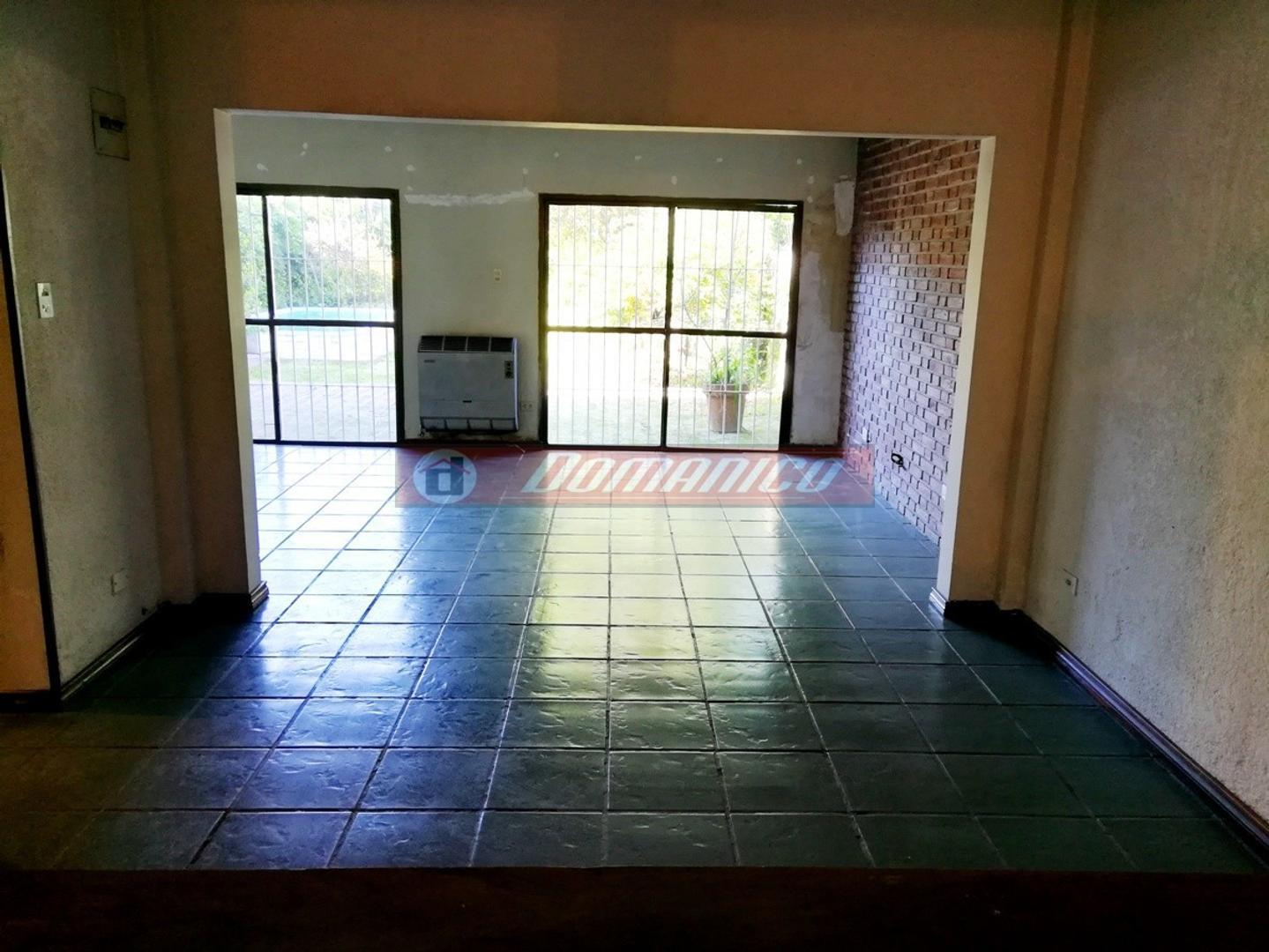 Casa - 250 m² | 4 dormitorios | 25 años