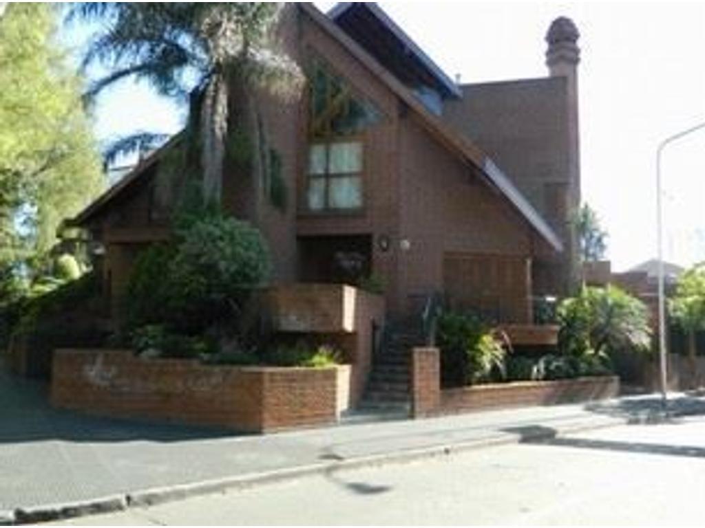 Casa en venta en av aviador g wernicke 2501 ciudad for Casas en ciudad jardin el palomar