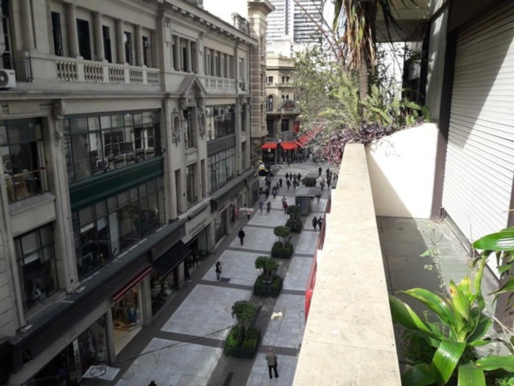 2 ambientes Frente balcón y gran Patio ¡Unico, un solar en Florida y Córdoba!!!