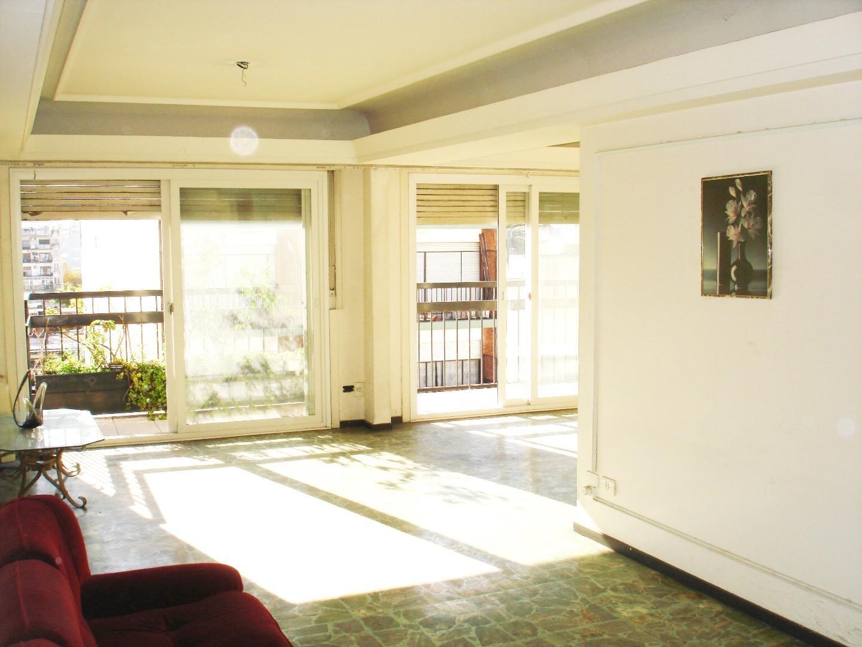 Departamento 4 ambientes, Balcón corrido al frente, Vista, Luminoso