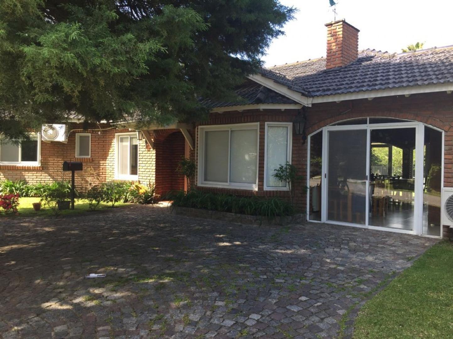 Casa  en Venta  C.C. Banco Provincia, Zona Oeste - OES0197_LP83943_1