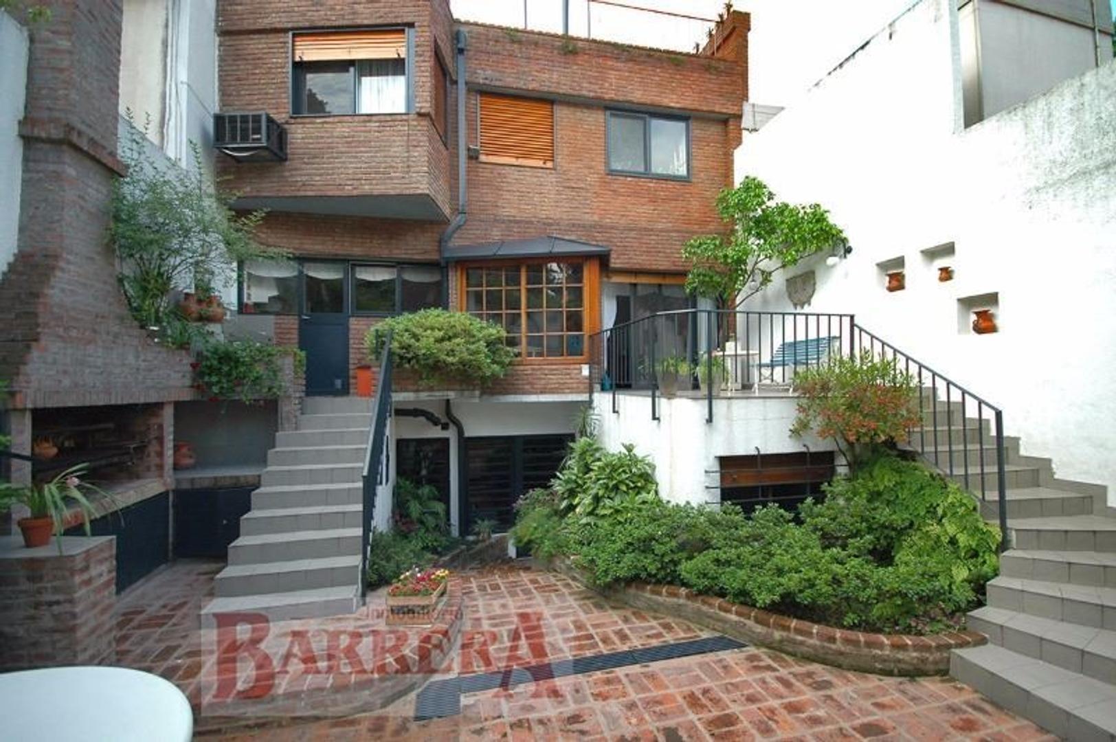 Casa - 440 m²   4 dormitorios   30 años
